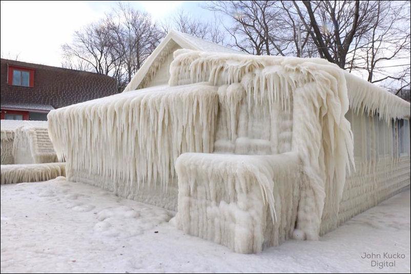 house-ice-003