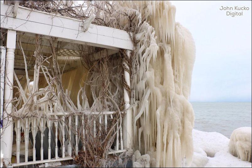 house-ice-004